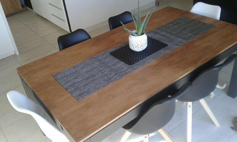 Table Et Chaises Chez Un Client Meuble Passion De Nice dedans Meubles Salon Nice