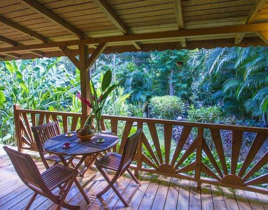 Terrasse Case Creole En Bois - Picture Of Au Jardin Des pour Au Jardin Des Colibris