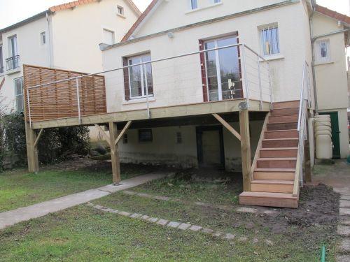 Terrasse En Bois Sur Pilotis | Terrasse Bois, Construction destiné Faire Une Terrasse A Moindre Cout