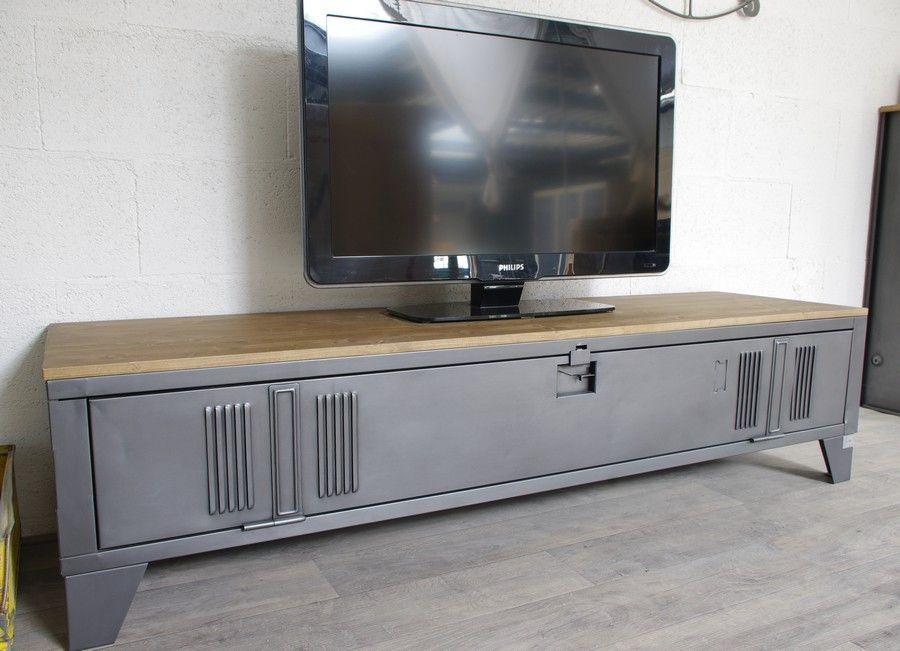 Un Meuble Tv Style Industriel En Bois Et Metal | Meuble Tv tout Meuble Tv Métallique