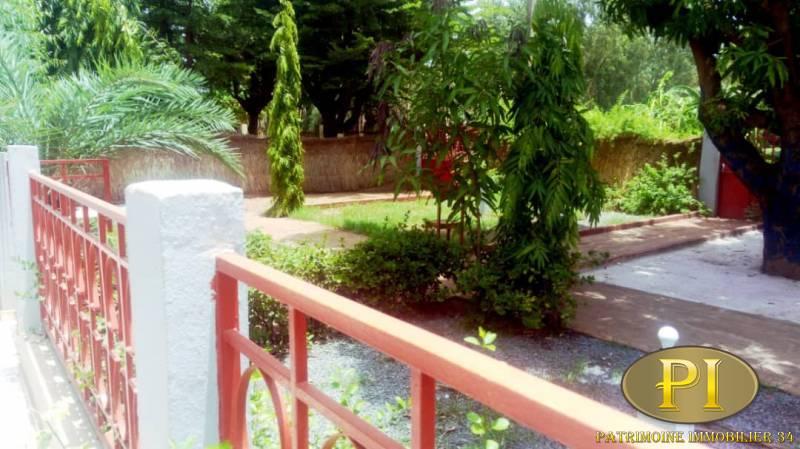 Une Villa Basse Non Meublée À Louer À Baco Djicoroni Aci destiné Louer Une Chambre Chez Soi