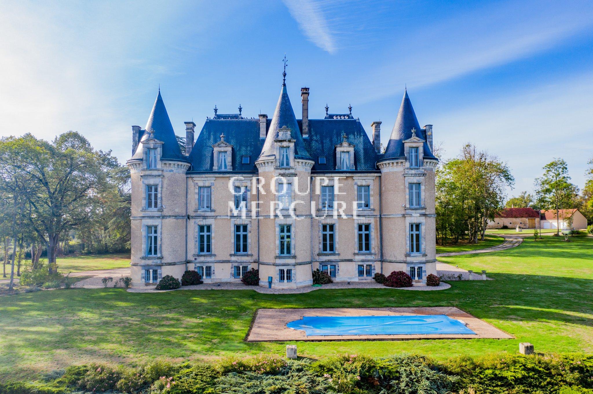 Vente Château Saint-Amand-Montrond (18), 17 Pièces destiné Chambre D Hote Saint Amand Montrond