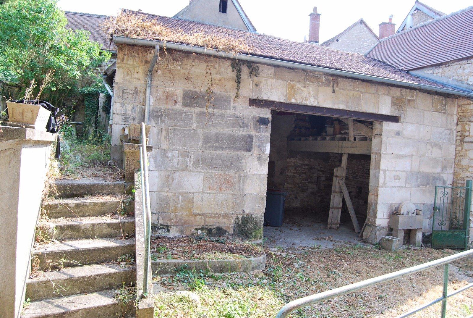 Vente Maison Ancienne Avec Jardin En Plein Centre Ville encequiconcerne Vente Privée Jardin