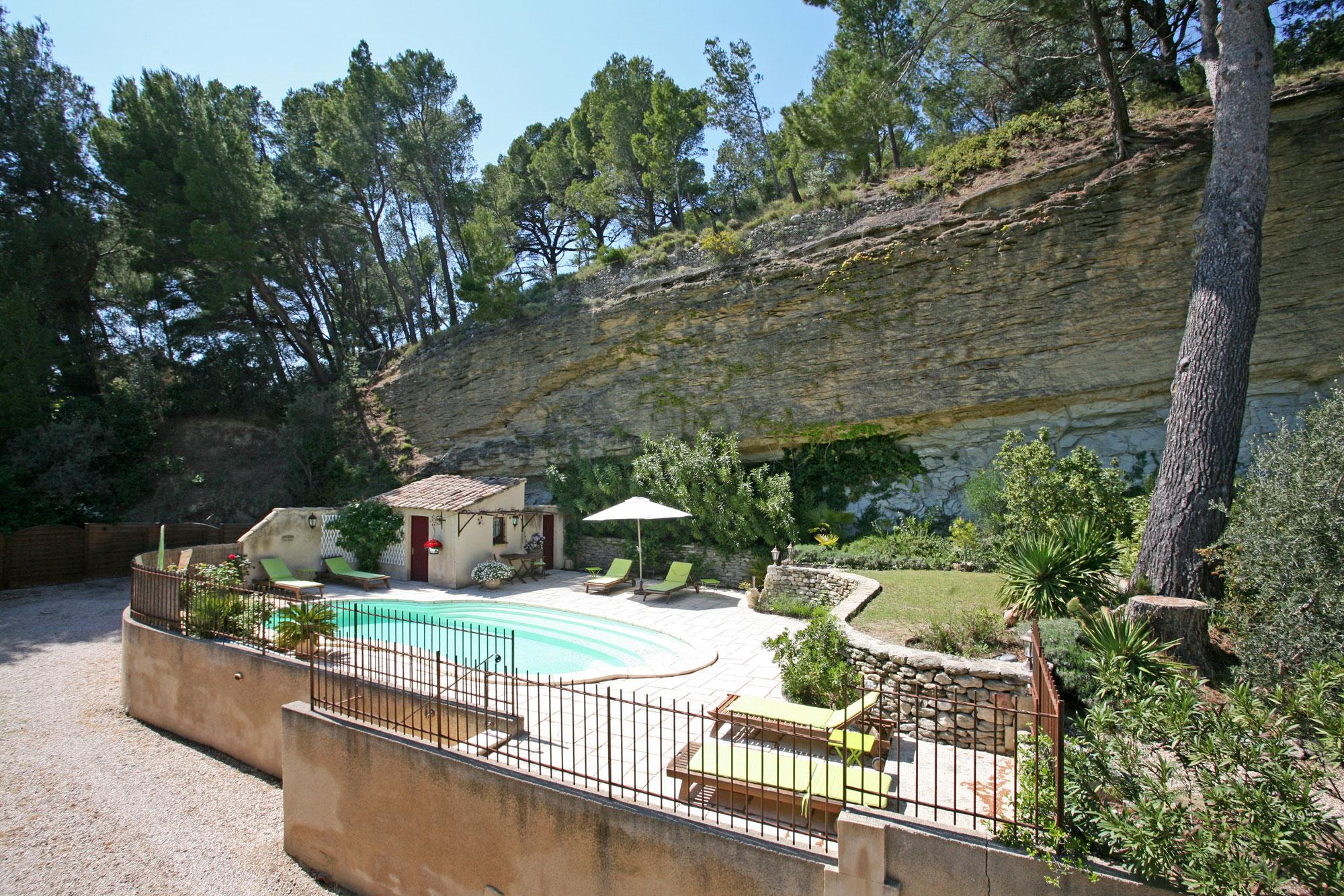 Ventes En Vente En Provence, Belle Maison De Famille Avec concernant Vente Privée Jardin