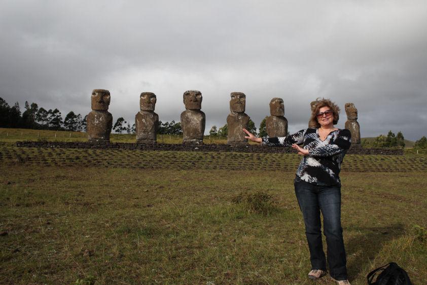 Visite De L'Ile De Pâques Et Éclipse De Soleil Du 11 avec Statue Moaï 1M