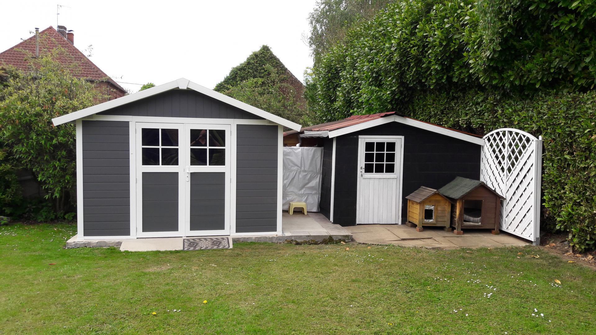 Abri De Jardin En Pvc 11,2M² Deco Gris Foncé Et Blanc pour Abri De Jardin Grosfillex 7 5