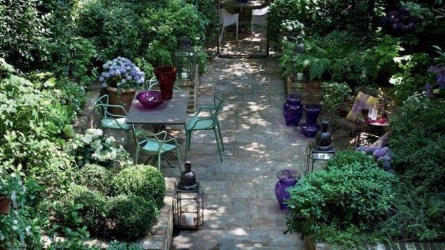 Aménagement Petit Jardin De Ville : 11 Idées Via Pinterest - Côté Maison destiné Un Jardin En Ville
