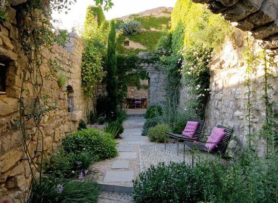 Créer Un Jardin Sans Arrosage Méditerranéen - Rc-Paysage avec Jardin De Provence