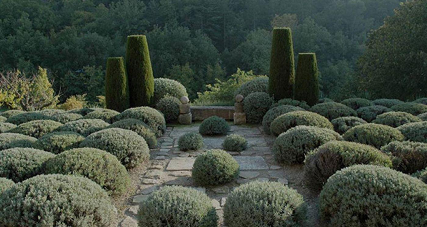 Jardin De La Louve - Google Search | Gartenprodukte intérieur Jardin De Provence