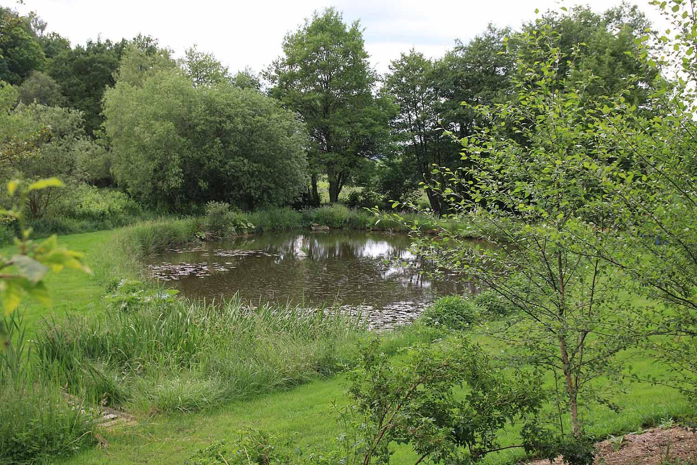 Jardin De La Sagne - Arrosoirs Et Sécateurs destiné Arrosoirs Et Sécateurs