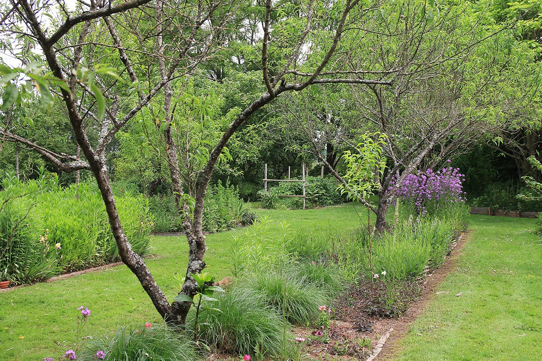 Le Jardin D'elisée À Vernais (18) - Arrosoirs Et Sécateurs serapportantà Arrosoirs Et Sécateurs