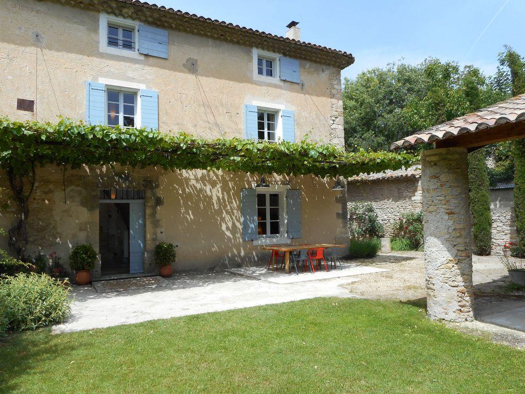 Mas Provençal Avec Jardin Fermé À Proximité D'Une Petite tout Jardin De Provence