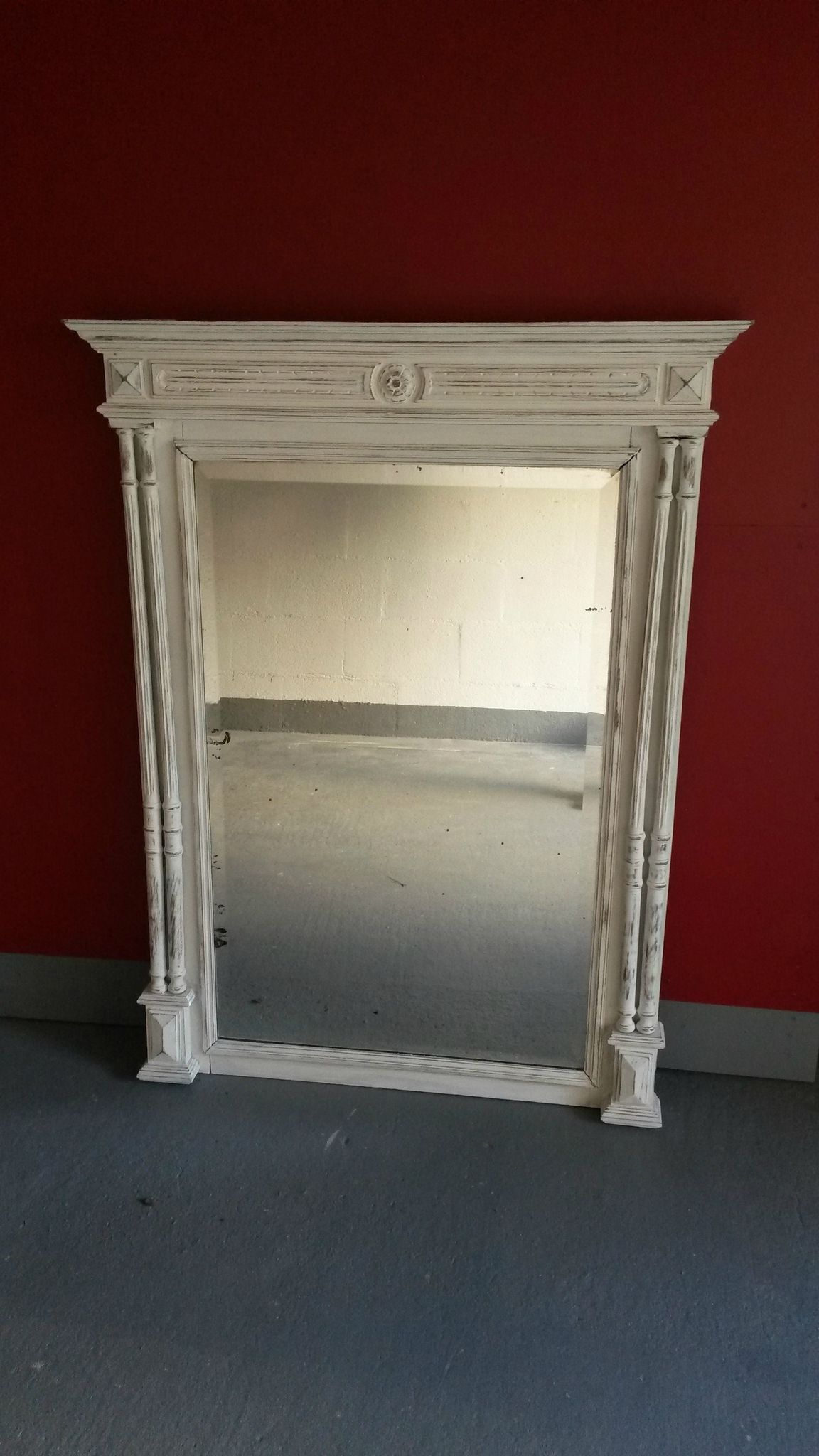 Miroir Ancien Relooké Avec Une Patine Blanche Et Vieilli avec Meuble Lingere