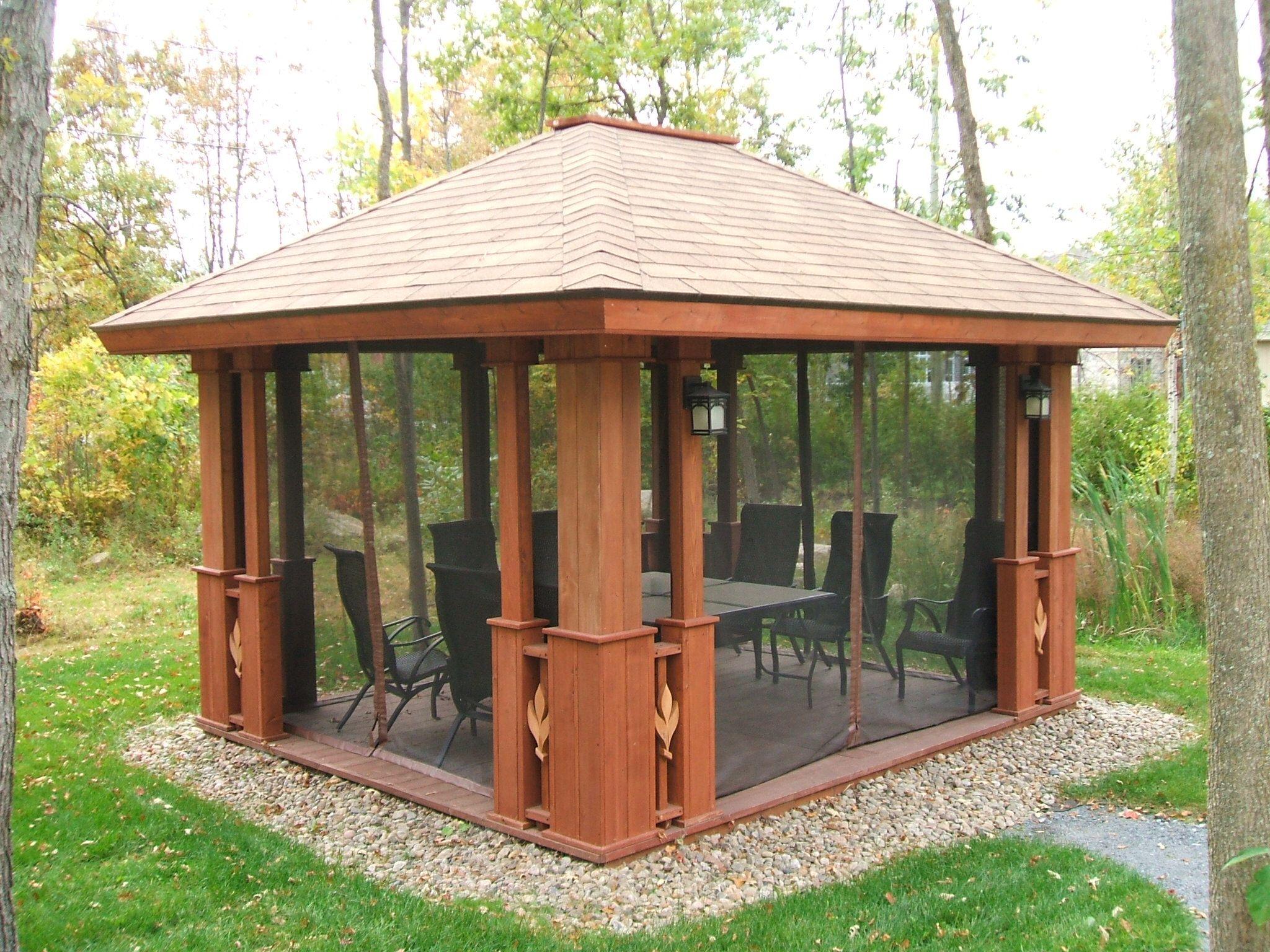 Patio Avec Moustiquaire - Recherche Google | Gazebo Bois avec Kiosque De Jardin
