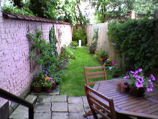Petit Jardin De Ville (Photo 1/2) - Un Jardin Qui Ne Ressemblait Pas À Grand Chose tout Un Jardin En Ville