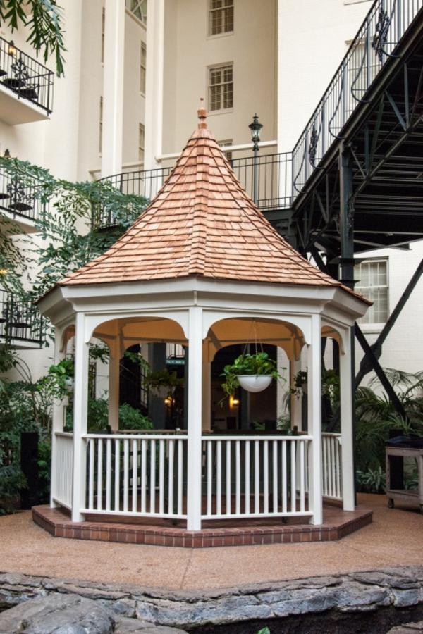 Quel Kiosque De Jardin Pour Le Cour De Vos Rêves? serapportantà Kiosque De Jardin