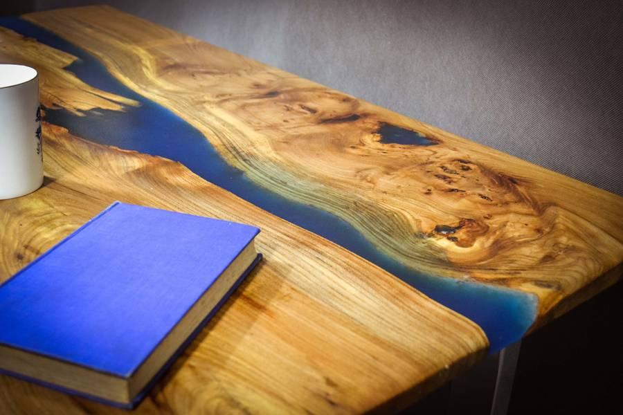 Resin River Coffee Table On Steel Base By Frances Bradley avec Table Bois Resine
