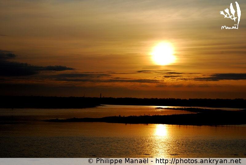 Soleil Couchant Sur Le Fier D'Ars, 1 (Ile De Ré) - Ankryan concernant Le Soleil Doré Ile De Ré