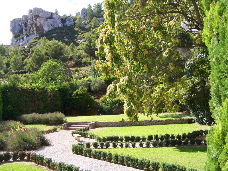 The Baux De Provence encequiconcerne Jardin De Provence