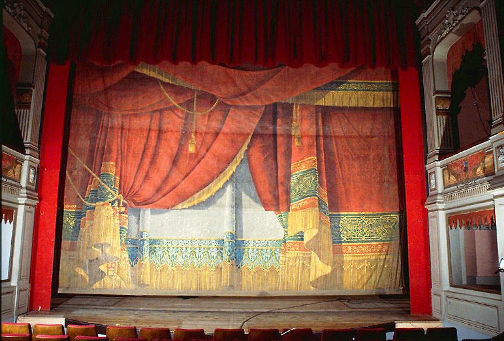 0269 Theatre De Gray - 1846 - 1849 - Le Rideau De Scéne pour Rideau De Theatre