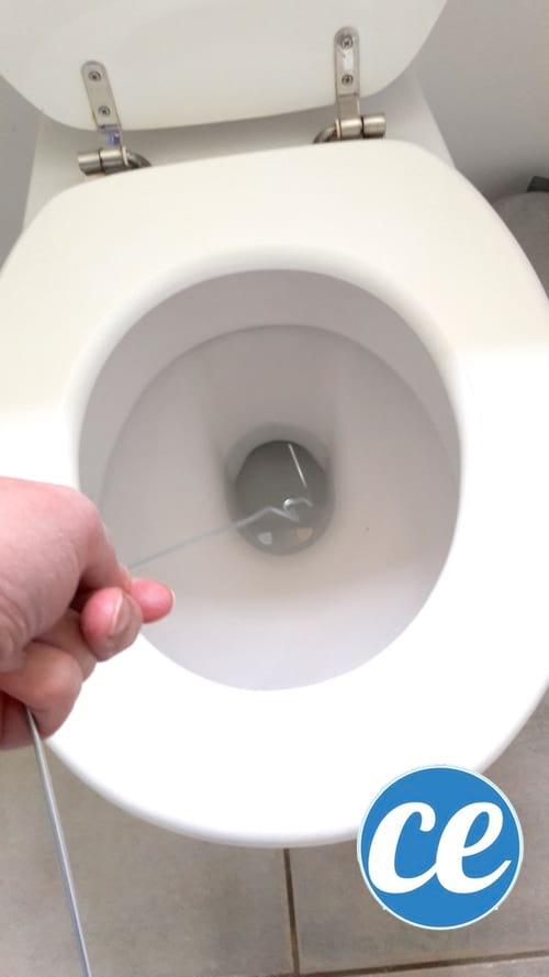 28 Astuces Pour Déboucher Wc Et Canalisations Sans Plombier. dedans Toilette Sanibroyeur Bouché