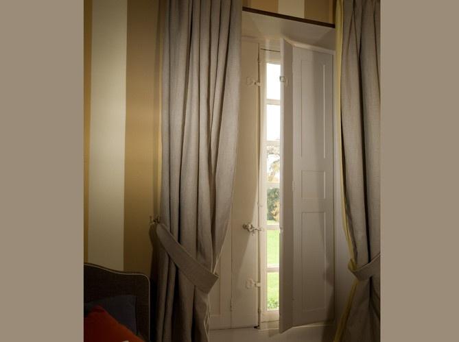 36 Best Shutters Images On Pinterest | Indoor Shutters tout Rideau De Porte D Entrée