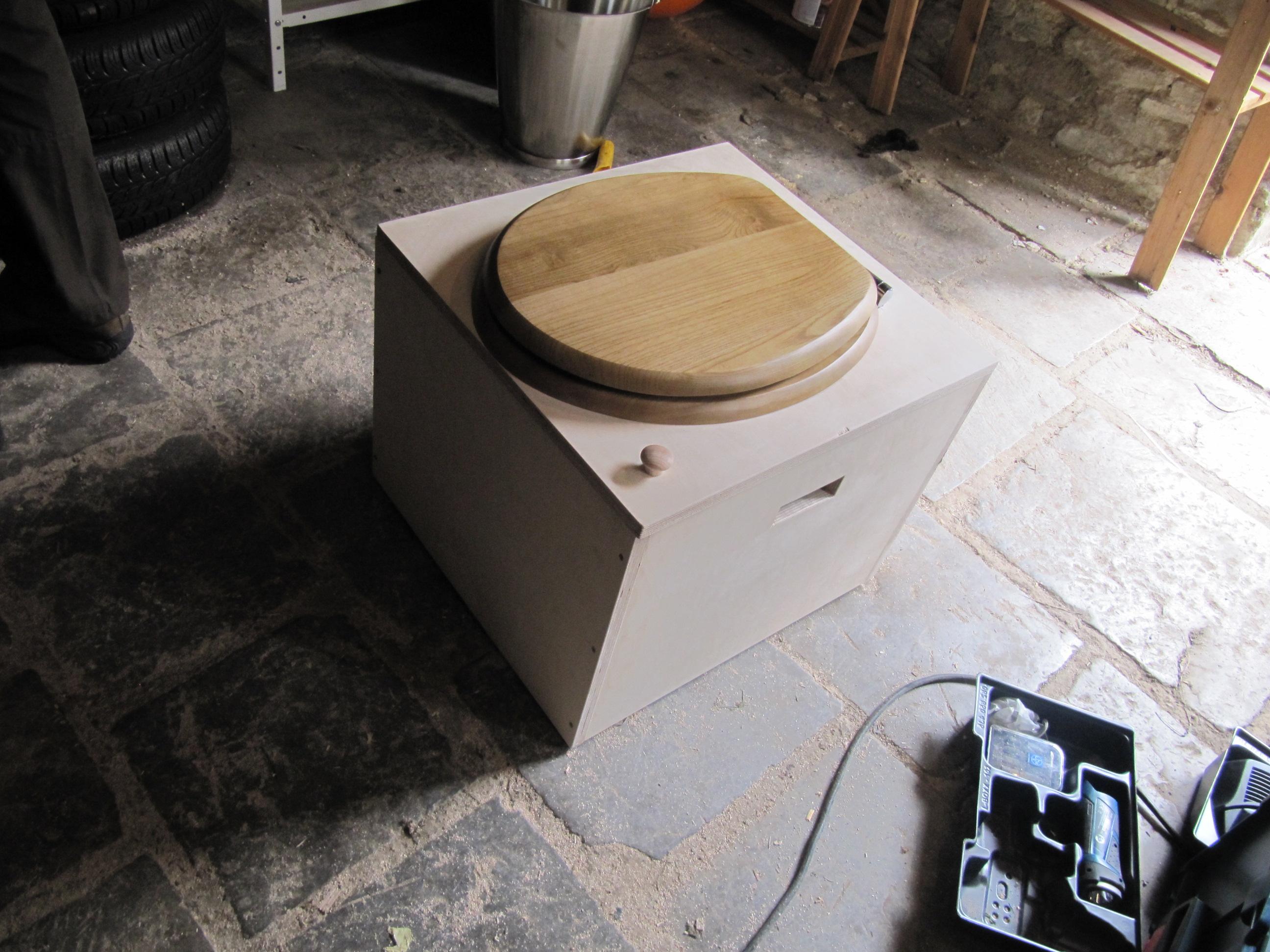 Atelier Fabrication De Toilettes Sèches | Les Fougères Asbl concernant Toilettes Seche