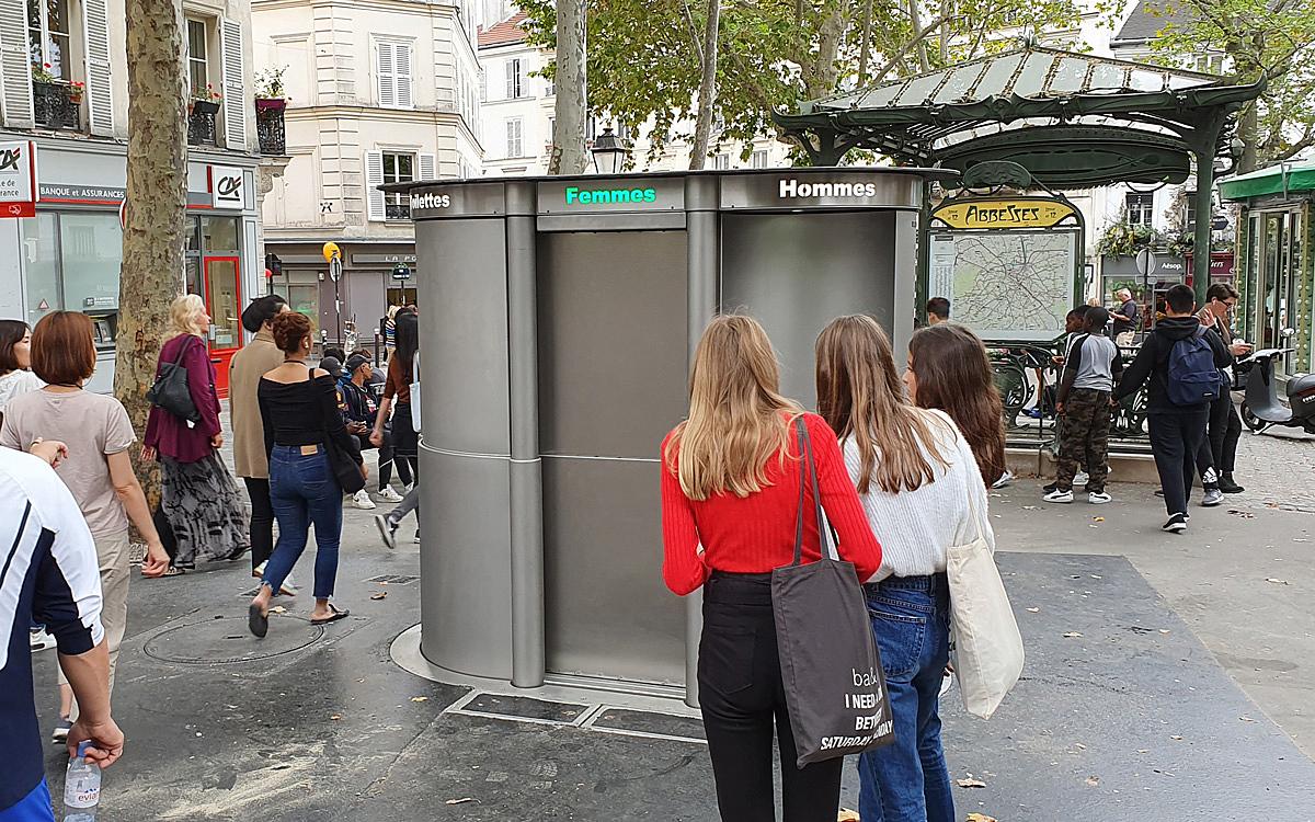 Aux Abbesses, Ces Toilettes Qui Sortent De Terre… - Ville tout Toilette Publique Paris