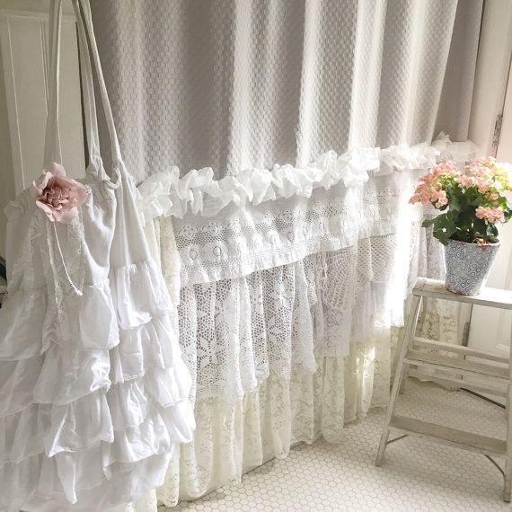 Bohemian Ruffle Shower Curtain | Décoration Shabby Chic dedans Rideaux Shabby Chic