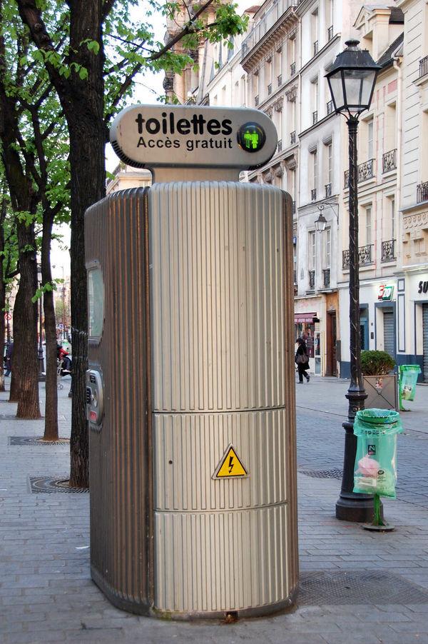 European Toilet Tricks To Know Before You Go By Rick Steves intérieur Toilettes Publics