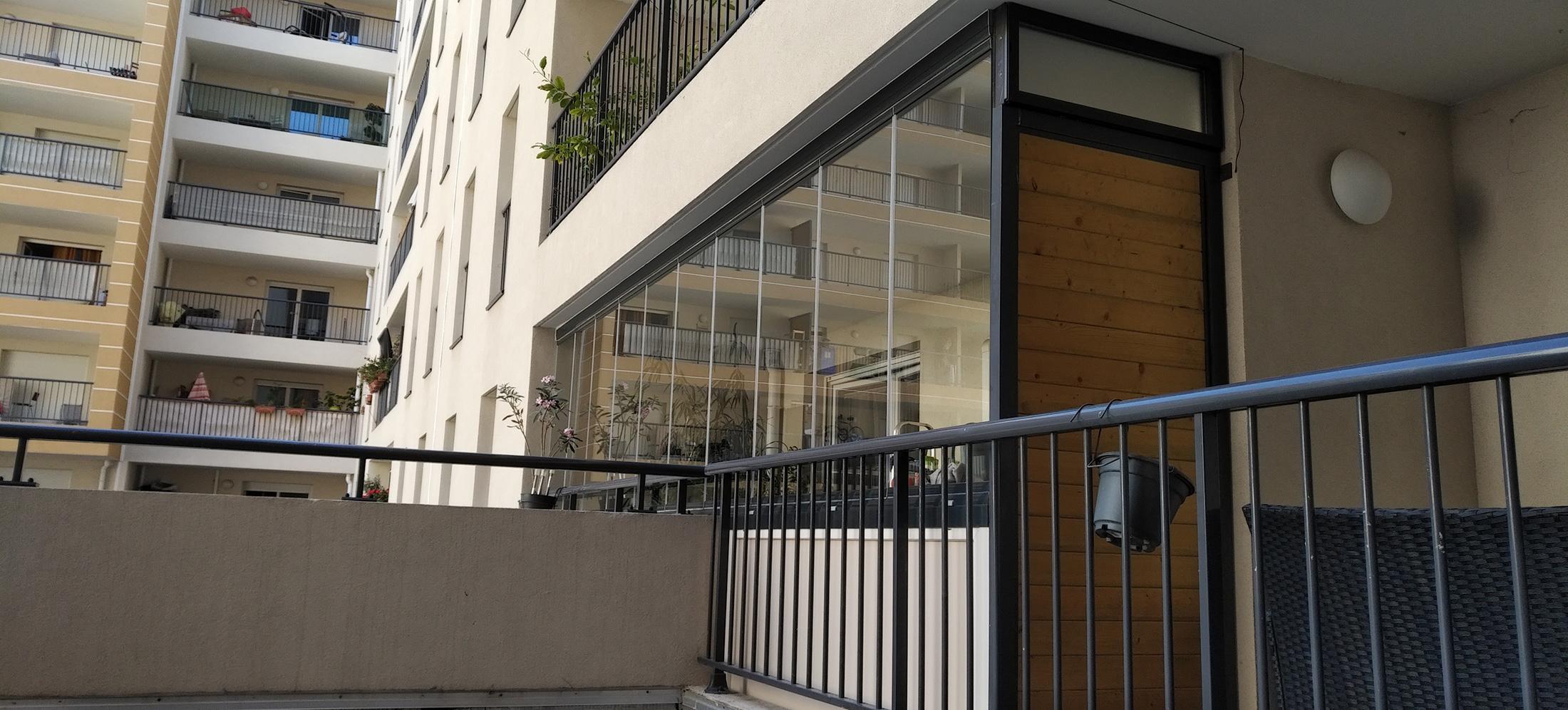 Fermeture De Balcon Par Un Rideau De Verre À Marseille concernant Rideau De Verre Pour Balcon