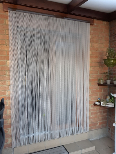 Galerie Photo - Rideau-Porte.fr serapportantà Rideau De Porte Chainette Aluminium