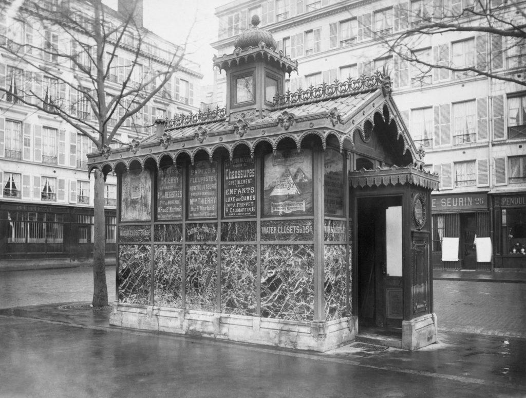 Insolite : Les Urinoirs Publics Du Paris Vintage encequiconcerne Toilette Publique Paris