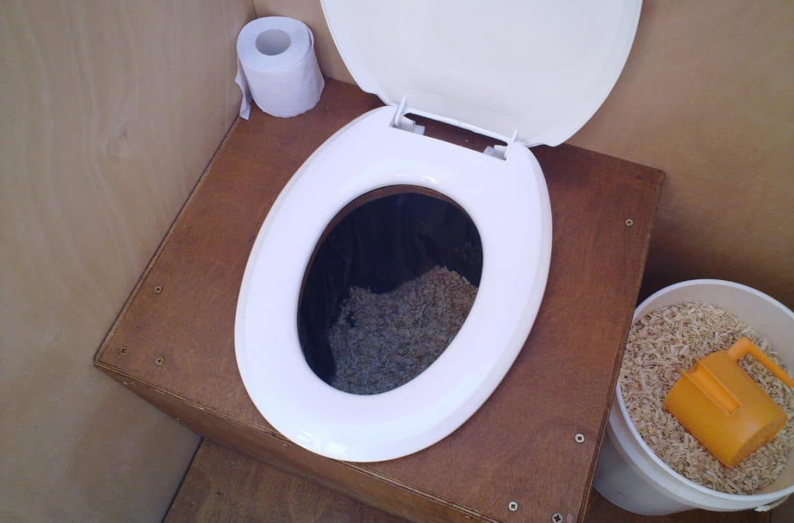 Installer Toilettes Sèches - Toits Alternatifs intérieur Toilette Seche Reglementation