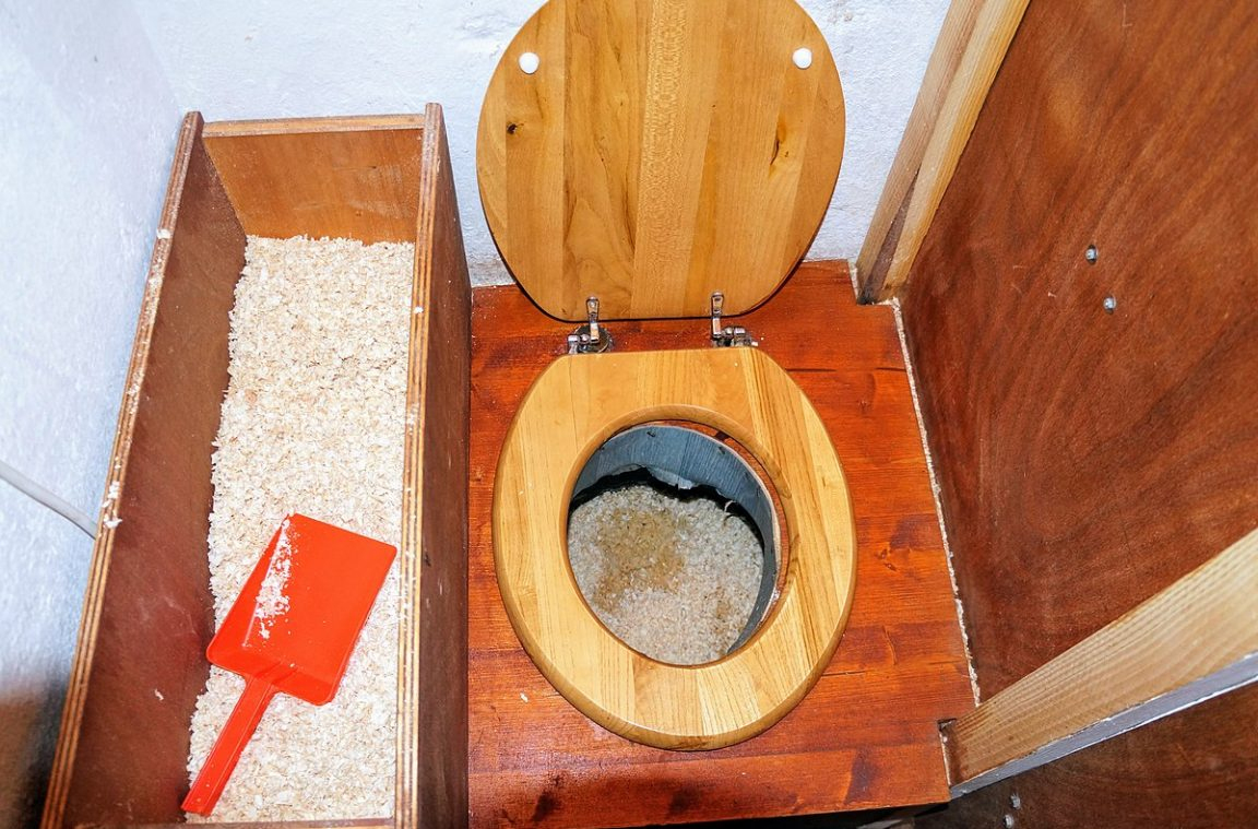 Installer Toilettes Sèches - Toits Alternatifs tout Toilette Seche Reglementation