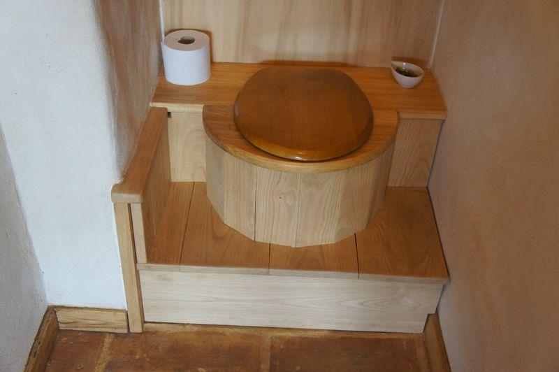 Les Toilettes Seches - Le Clos Des Hauts | Toilette Seche intérieur Toilette Seche Exterieur