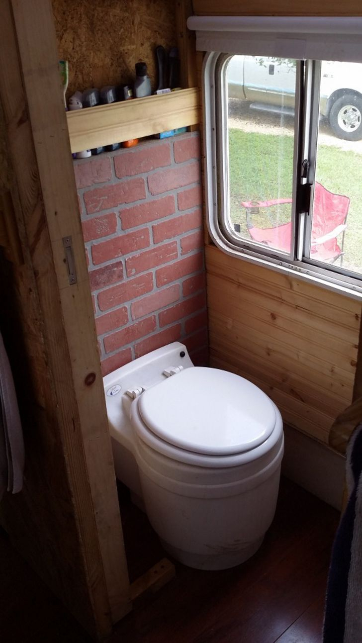 Meet The Dry Flush Waterless Toilet Without The Ick Factor intérieur Toilette Seche Camping Car