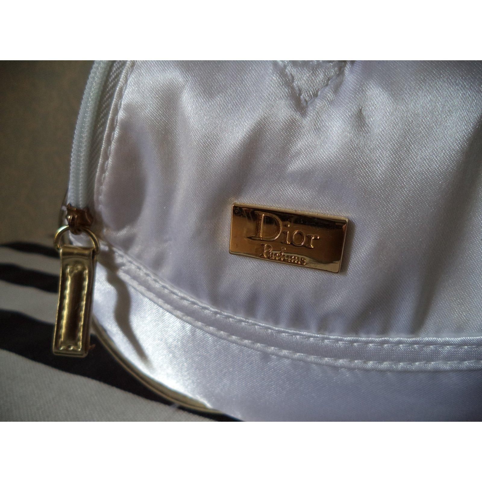 Petite Maroquinerie Dior Trousse De Toilette Tissu Blanc encequiconcerne Trousse De Toilette Dior