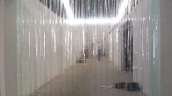 Quels Sont Les Avantages Des Rideaux Plastiques intérieur Rideau Plastique Industriel
