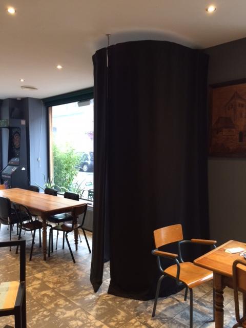 Rideaux De Restaurants, Rideaux Et Barres De Porte D dedans Rideau De Porte D Entrée Exterieure