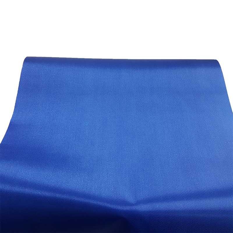 Rouleau De Chemin De Table Satin Bleu Roi intérieur Chemin De Table Bleu Canard
