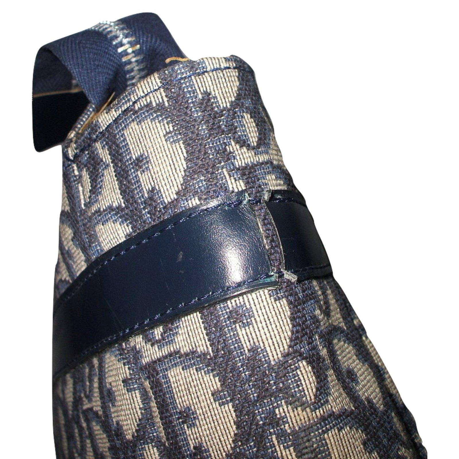 Sacs Christian Dior Vintage Trousse De Toilette Sport Et encequiconcerne Trousse De Toilette Dior