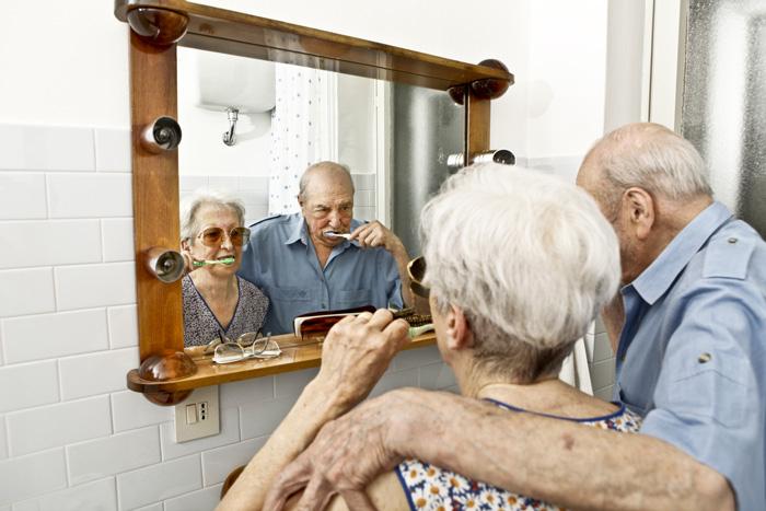 Sécurité Personnes Âgées : Aménagez La Salle De Bains intérieur Toilette Personne Agée
