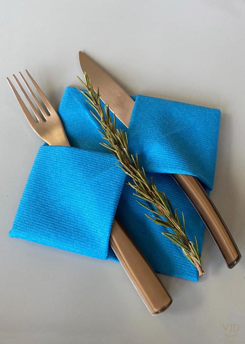 Serviette En Non-Tissé Bleu Canard 40 X 40Cm - Vaisselle concernant Chemin De Table Bleu Canard