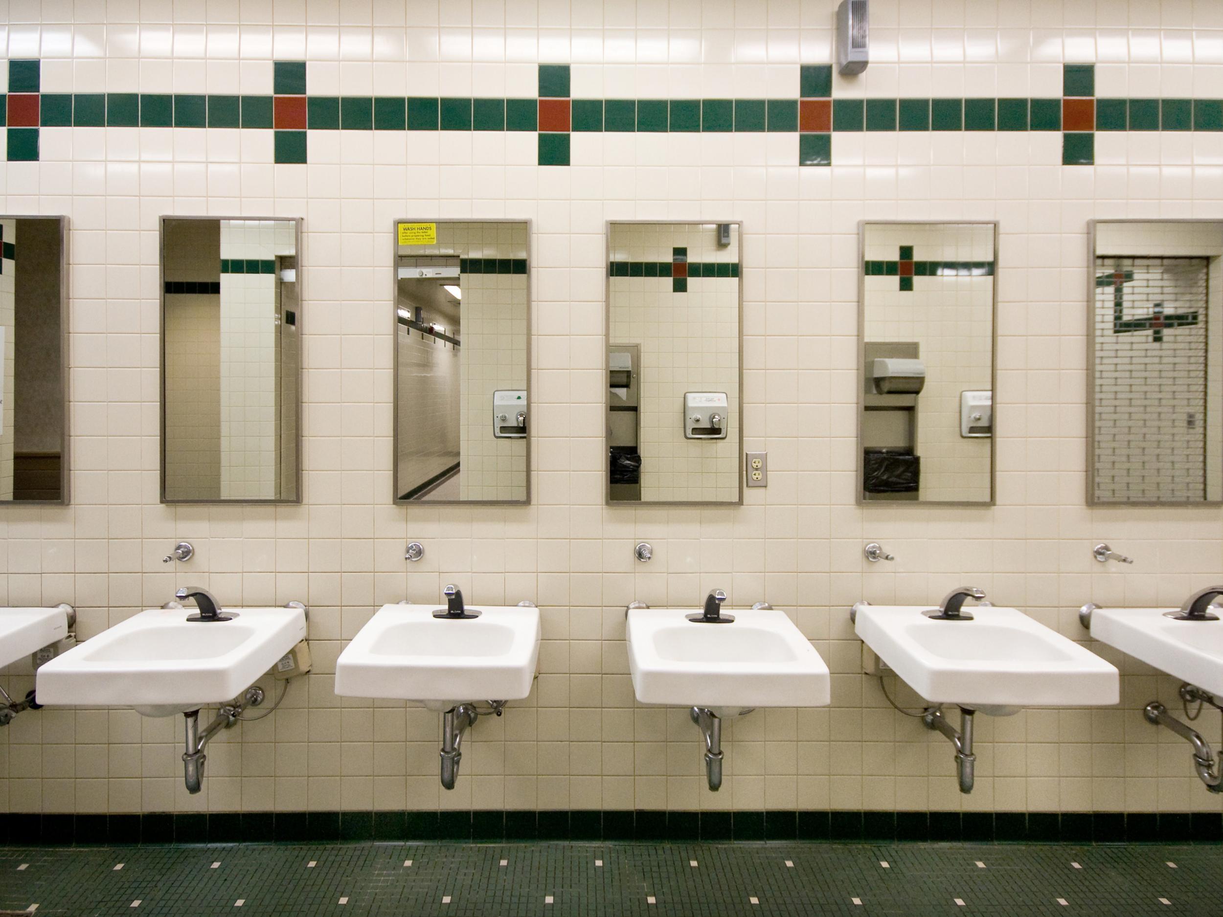 Toilet Talk:wwhy Public Loos Just Aren't Good Enough | The avec Toilettes Publics