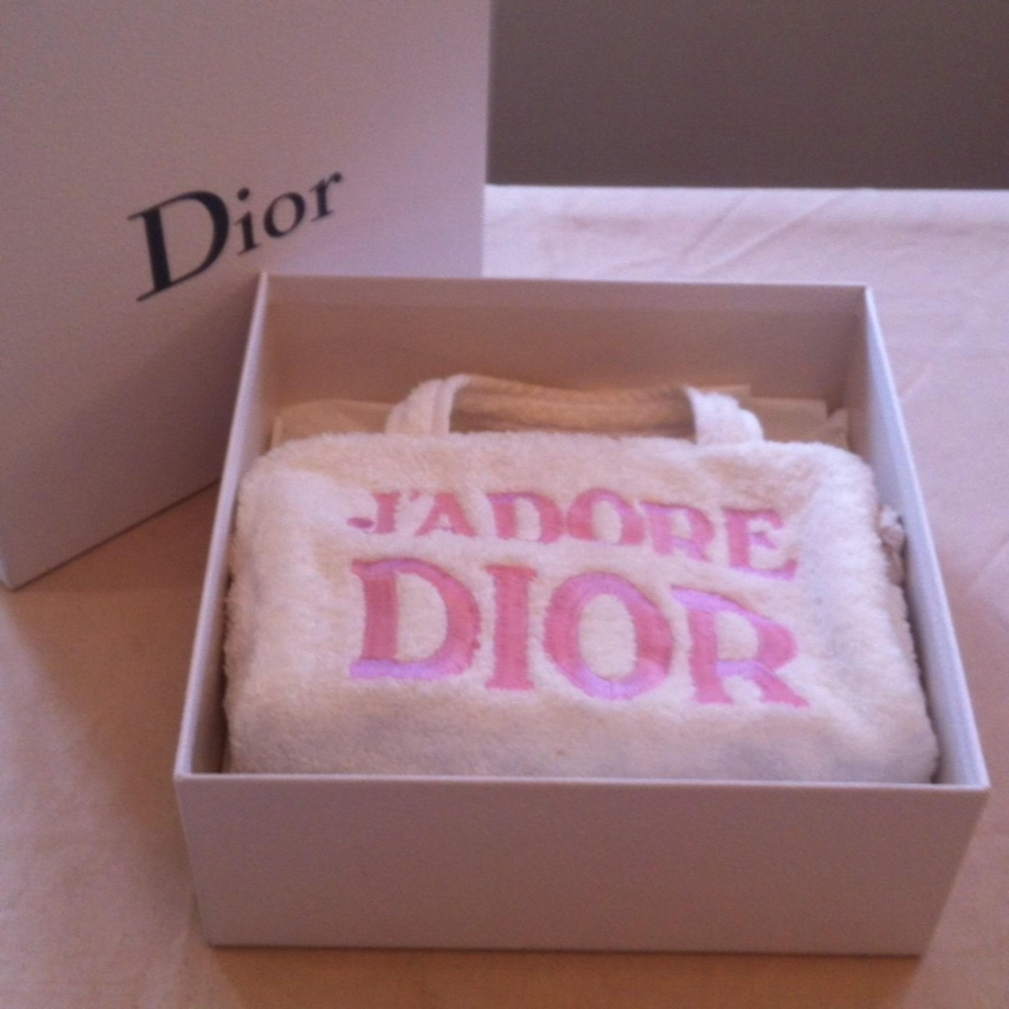 Trousse De Toilette Dior - 3965817 intérieur Trousse De Toilette Dior
