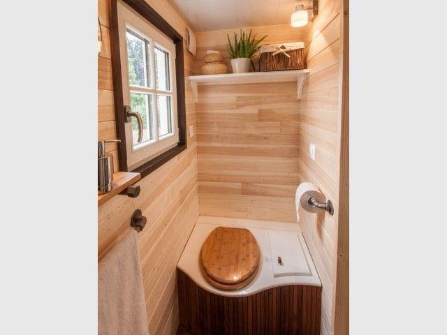 Une Petite Roulotte À L'Accent Industriel | Toilettes à Toilette Seche Construction