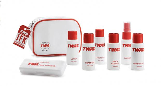 Une Trousse De Toilette Avion Twa Hotel Offerte destiné Trousse De Toilette Avion Cabine