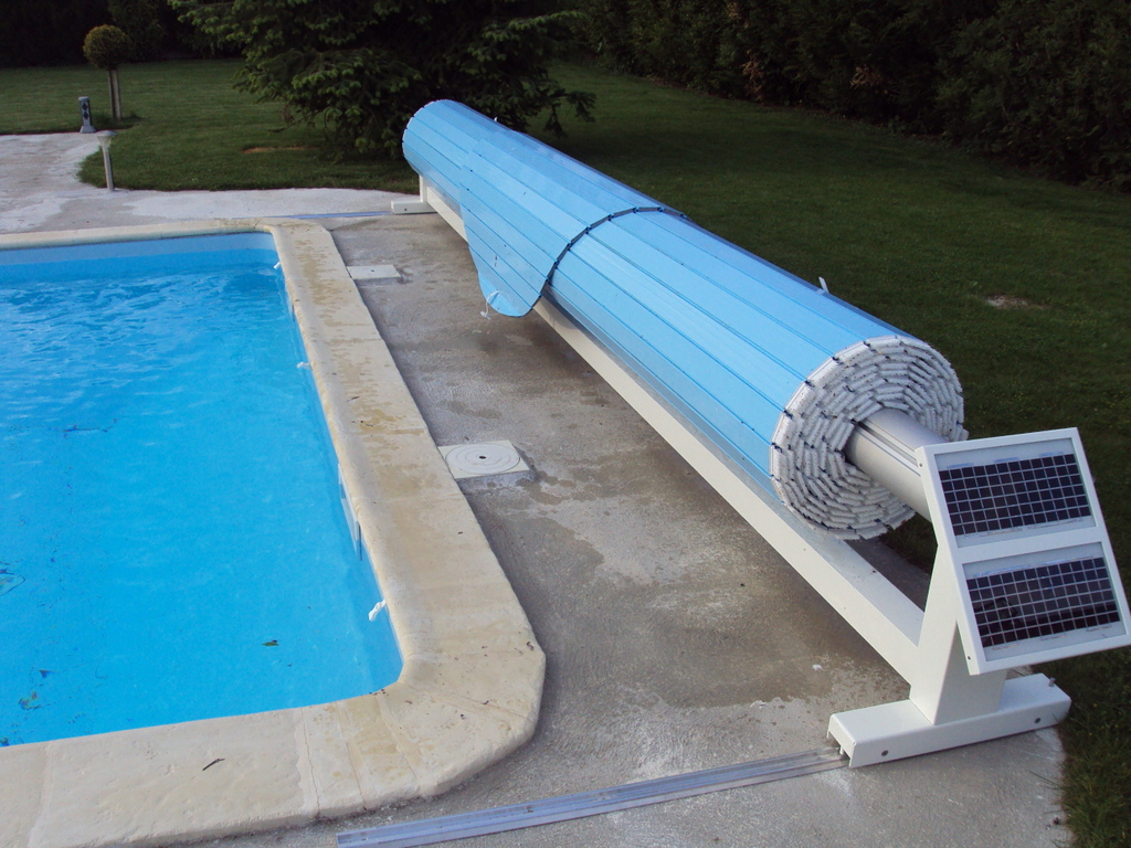 Volet De Piscine Mobile, Protection De Piscine Amovible serapportantà Rideau De Piscine Immergé