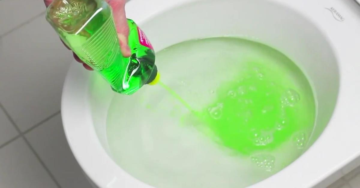 Vos Toilettes Sont Bouchées ? Le Liquide Vaisselle Est avec Toilettes Bouchées